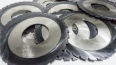Radiusová fréza, plný radius na zubu, povlak TiAlN;  vyrobené z rychlořezné oceli HSS, vyrobeny dodle  normy DIN 856