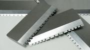 Nože se zuby pro krácení plastů
